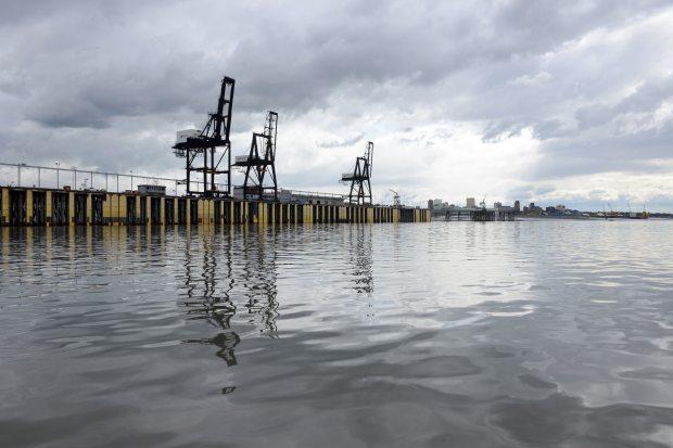 Delay continues for Alaska-bound cargo ship